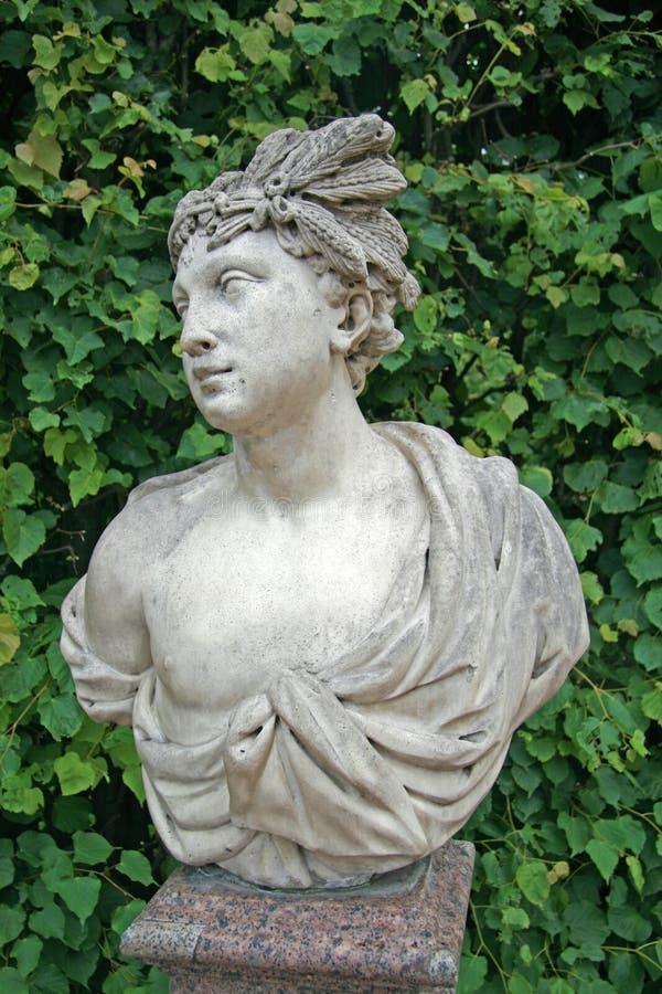 Catherine Park Sculpture, ST PETERSBURGO, TSARSKOYE SELO, RÚSSIA imagens de stock royalty free
