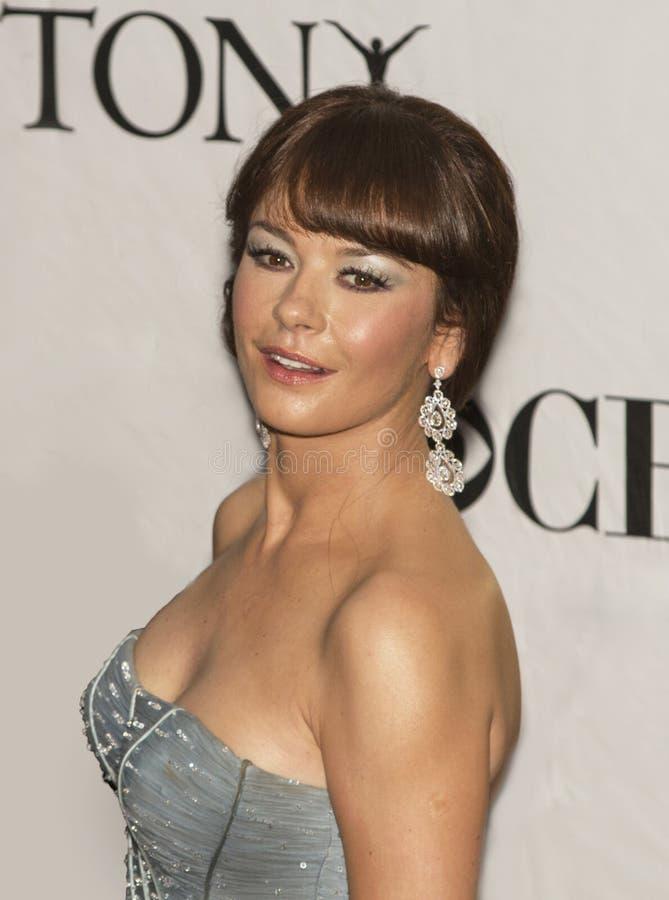 Catherine Zeta-Jones Dazzles em 64th Tony Awards anual em 2010 foto de stock royalty free