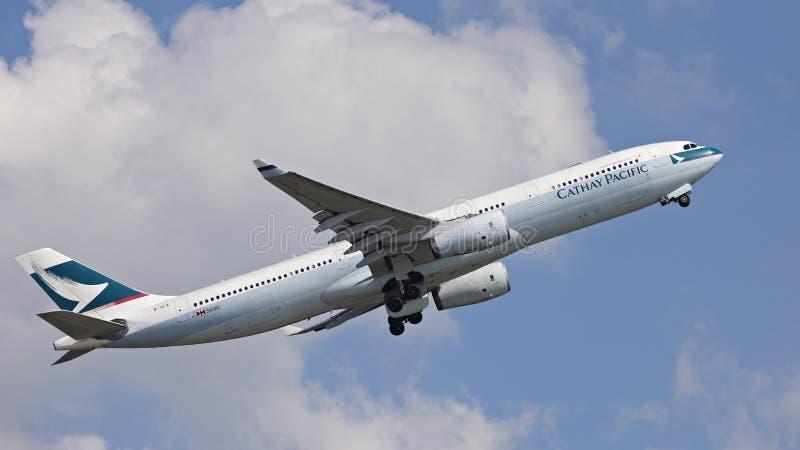 Cathy Pacific Passenger Aircraft royaltyfri foto