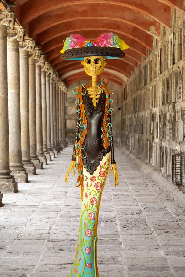 Free Catrina. Detail Of Mexican Handicraft With Typical Costume Royalty Free Stock Photography - 160853537