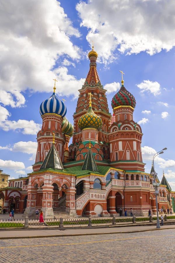Cattedrale del basilico della st sul quadrato rosso a Mosca, Russia immagini stock