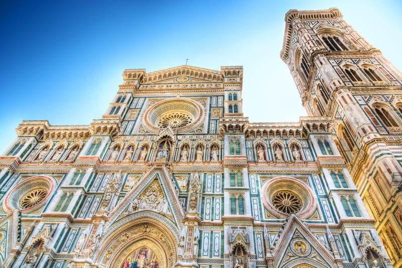 Cattedrale del Duomo nella vista frontale di Firenze Italia fotografie stock