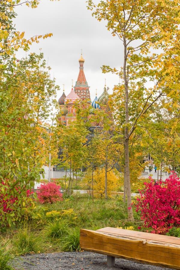 Cattedrale del ` s del basilico della st sul quadrato rosso a Mosca, Russia Autumn Landscape fotografia stock
