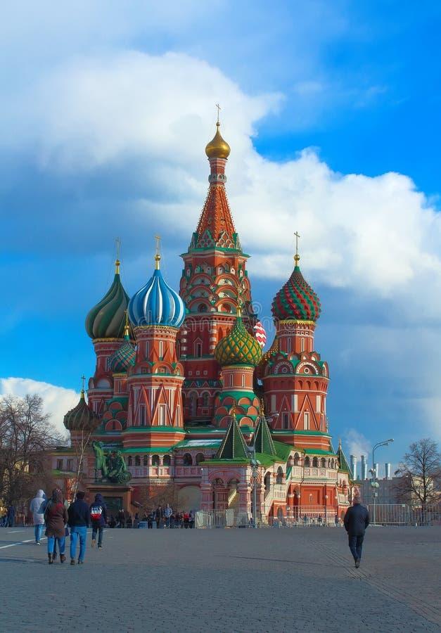Cattedrale del ` s del basilico del san in quadrato rosso Mosca, Russia immagini stock libere da diritti