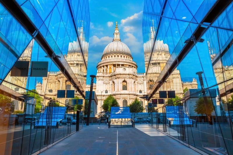 Cattedrale del ` s di St Paul a Londra, Regno Unito fotografie stock libere da diritti
