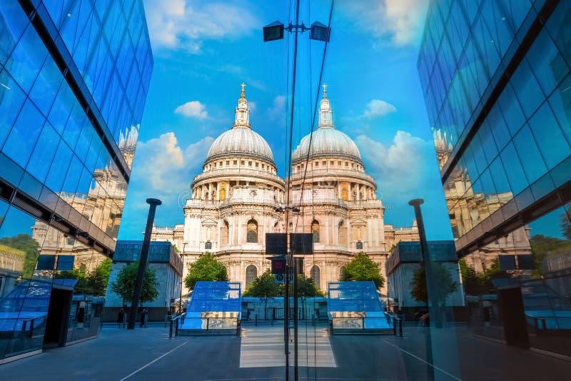 Cattedrale del ` s di St Paul a Londra, Regno Unito fotografia stock libera da diritti