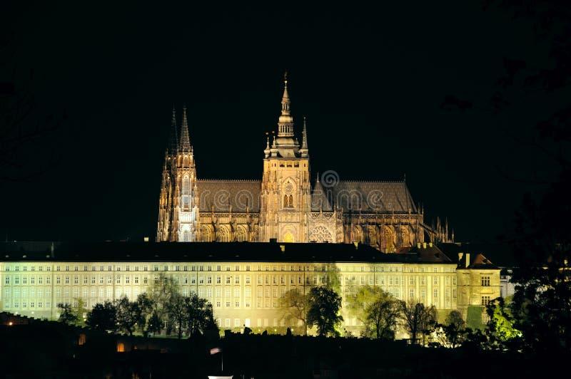 Cattedrale della st Vitus nella notte fotografia stock
