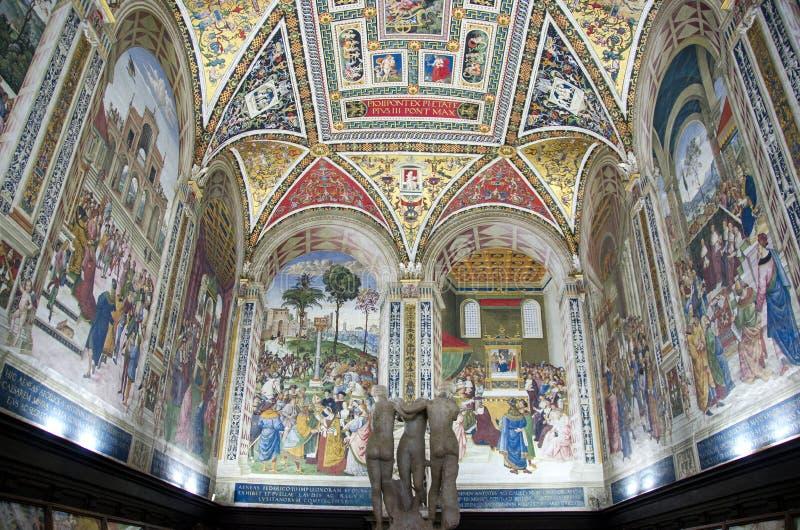 Cattedrale della terra di Siena fotografia stock