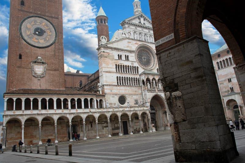 Cattedrale di Cremona e Torrazzo - Piazza del Comune immagini stock