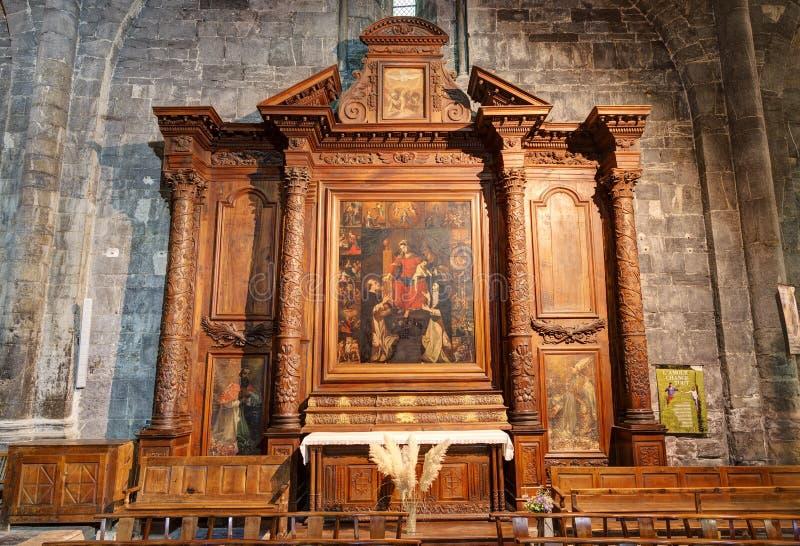 Cattedrale di Embrun - Embrun - Alpes - la Francia fotografia stock