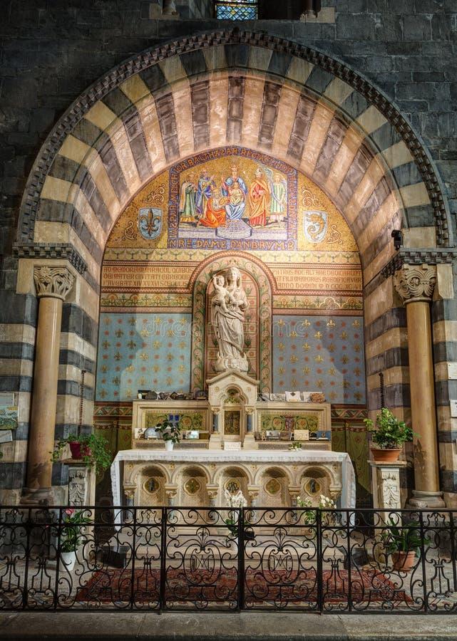 Cattedrale di Embrun - Embrun - Alpes - la Francia immagini stock