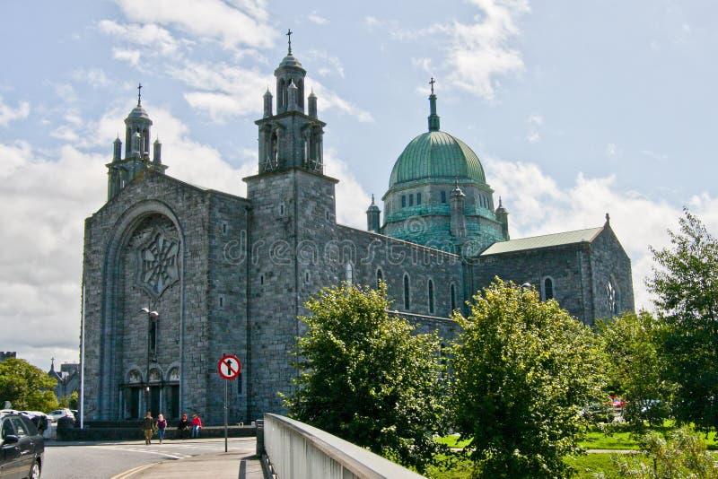 Cattedrale di Galway con la navata e Green Dome, Irlanda immagine stock