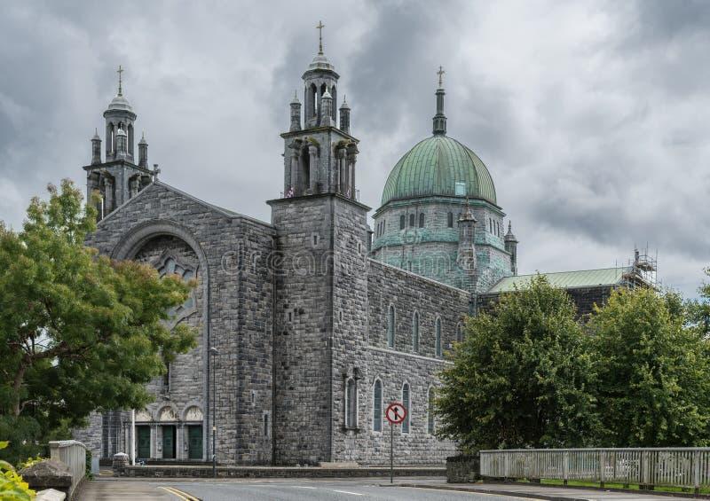 Cattedrale di Galway con la navata e Green Dome, Irlanda fotografia stock