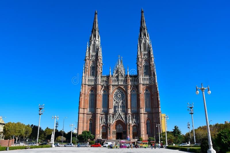 Cattedrale di La Plata e di Moreno Square fotografia stock libera da diritti