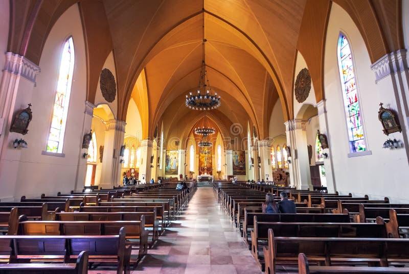 Cattedrale di pietra di Canela la nostra signora dell'interno della chiesa di Lourdes - Canela, Rio Grande do Sul, Brasile immagini stock libere da diritti