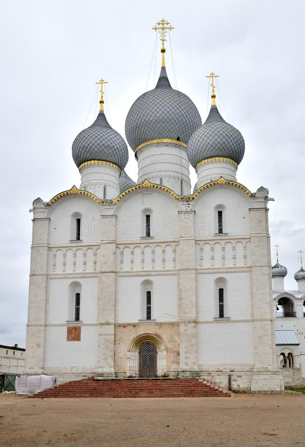 Cattedrale di presupposto in Cremlino di Rostov, Rostov, uno di più vecchia città e del centro turistico dell'anello dorato, regi fotografie stock libere da diritti