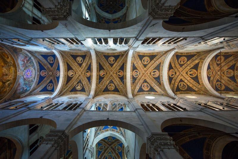 Cattedrale di San Martino in Lucca-Innenraum stockfotos