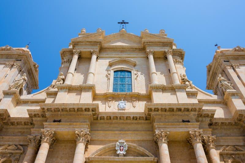 Cattedrale di San Nicola di Mira nel centro di Noto, dettaglio di immagine stock