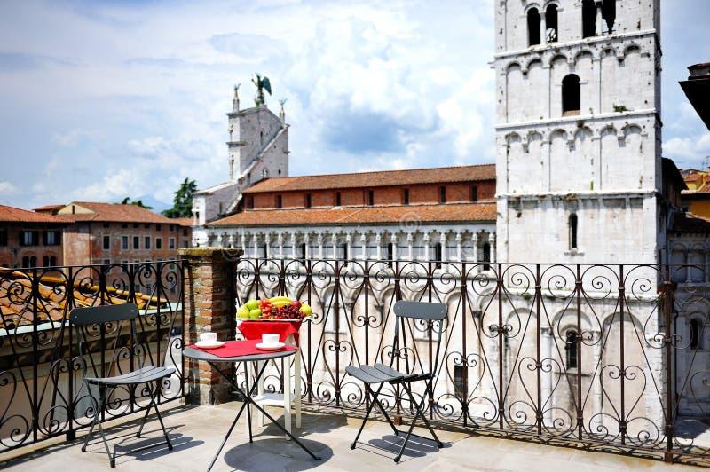 Cattedrale di trascuratezza del terrazzo di Lucca, Toscana, Italia immagine stock libera da diritti