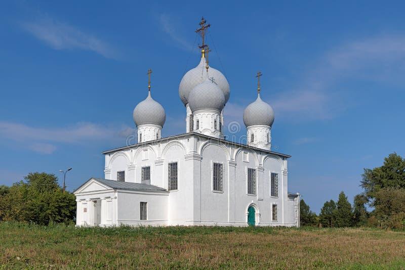 Cattedrale di trasfigurazione in Cremlino di Belozersk fotografie stock
