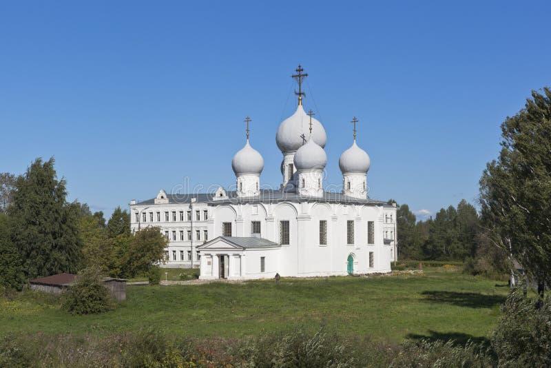 Cattedrale di trasfigurazione nella regione di Vologda di Cremlino di Belozersk fotografia stock