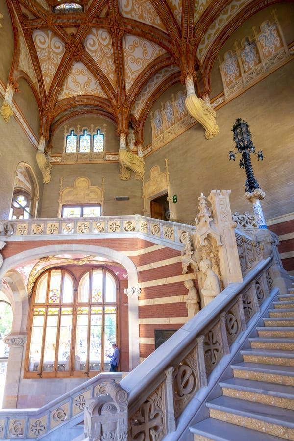 Cattedrale di Vasily la cattedrale ed il monumento del basilico benedetto del san a Minin e a Pozharsky sul quadrato rosso alla n fotografie stock