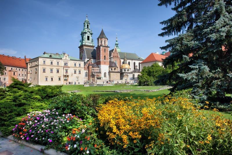 Download Cattedrale Di Wawel E Giardino Reale A Cracovia Fotografia Stock - Immagine di europa, basilica: 55361928