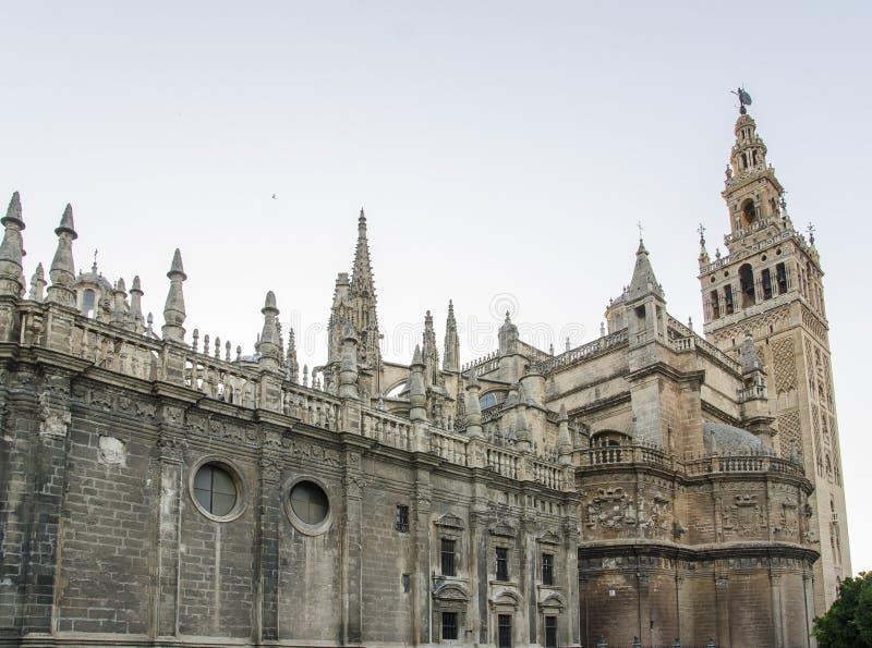 Download Cattedrale E Giralda, Siviglia Fotografia Stock - Immagine di spain, arabo: 56879978
