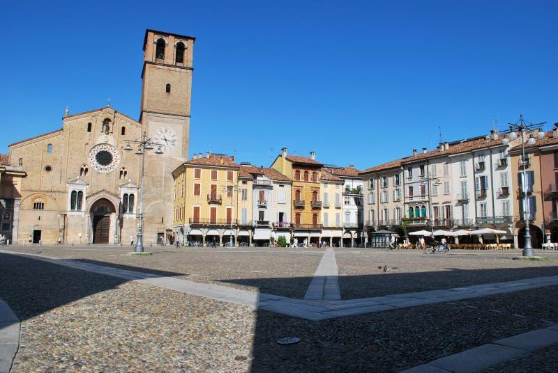 Cattedrale e quadrato in Lodi, Italia immagine stock libera da diritti