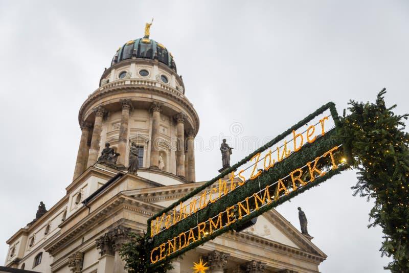 Cattedrale francese in Gendarmenmarkt, Berlino, Germania immagine stock