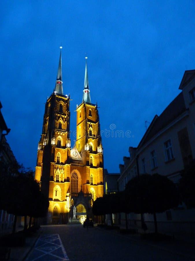 Cattedrale gotica di St John il battista sull'isola di Tumski Seat di Roman Catholic Archdiocese di Wroclaw e di uno dei famose immagini stock