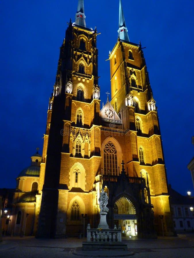Cattedrale gotica di St John il battista sull'isola di Tumski Seat di Roman Catholic Archdiocese di Wroclaw e di uno dei famose immagini stock libere da diritti