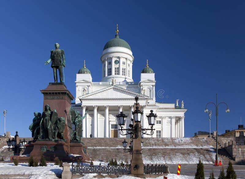 Cattedrale luterana e monumento all'imperatore russo Alexander a Helsinki, Finlandia fotografia stock