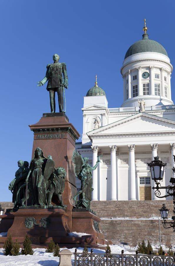 Cattedrale luterana e monumento all'imperatore russo Alexander a Helsinki, Finlandia immagini stock libere da diritti