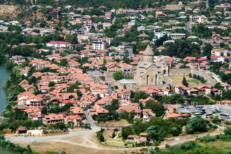 Cattedrale patriarcale della chiesa ortodossa georgiana e delle costruzioni circostanti immagini stock libere da diritti