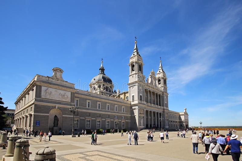 Cattedrale Santa Maria la Real de la Almudena, Madrid, Spagna immagine stock