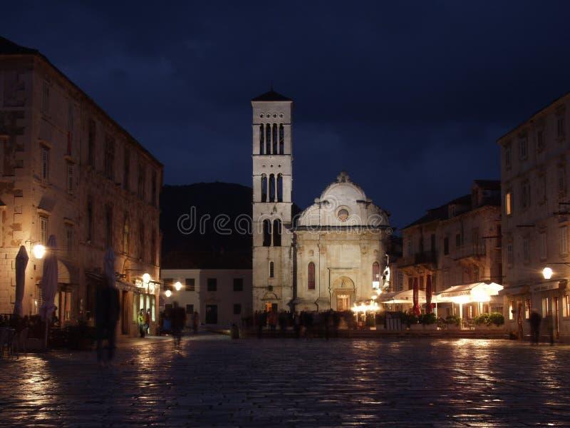 Cattedrale sul mercato principale di isola di Hvar fotografia stock libera da diritti