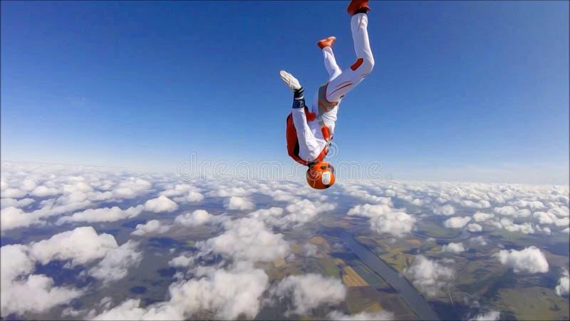 Catwalk La bellezza è nell'aria Moda nel cielo Volo con paracadute Il cielo senza confini royalty illustrazione gratis