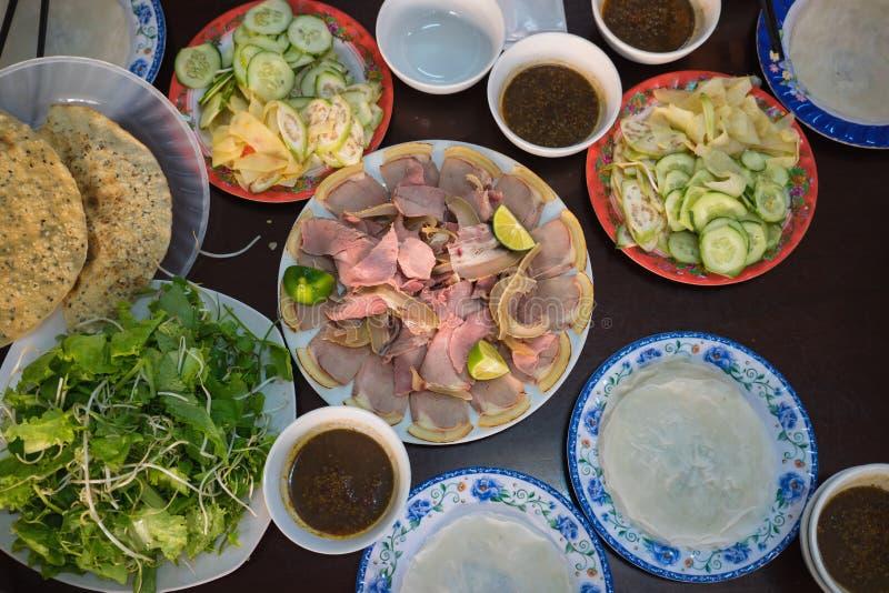Cau är det Mong barbequed kalvköttet så berömt som den Quang nudeln i Da Nang och Quang Nam, Vietnam Det kallas också med det bek arkivfoto