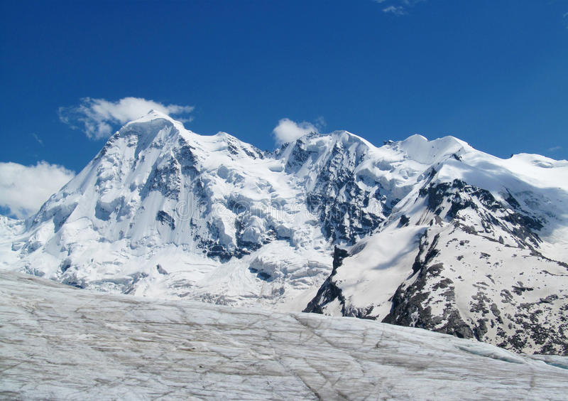 Caucasian berg, Tetnuld arkivbilder