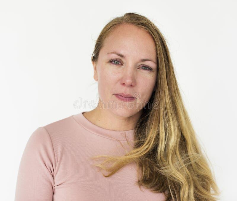 Caucasian kvinna som visar henne sinnesrörelse fotografering för bildbyråer