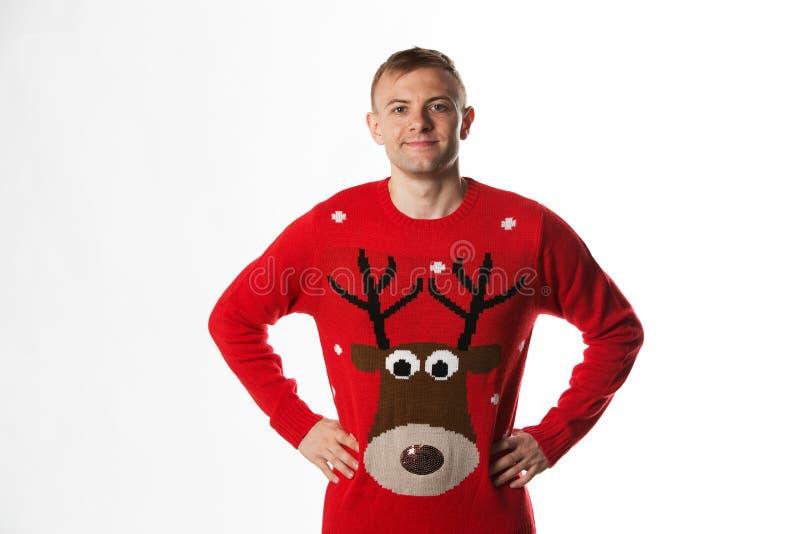 Download Caucasian Man Med Handen På Höftstunden Som Bär Ett Julförkläde Fotografering för Bildbyråer - Bild av hand, förkläde: 78732311