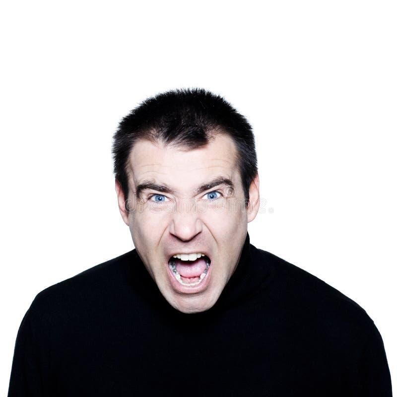 Caucasian man som skriker den ilskna missnöjda ståenden royaltyfria bilder