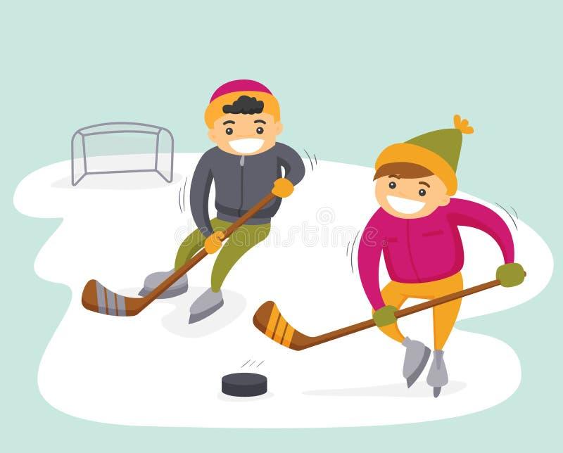 Caucasian pojkar som spelar hockey på utomhus- isbana royaltyfri illustrationer