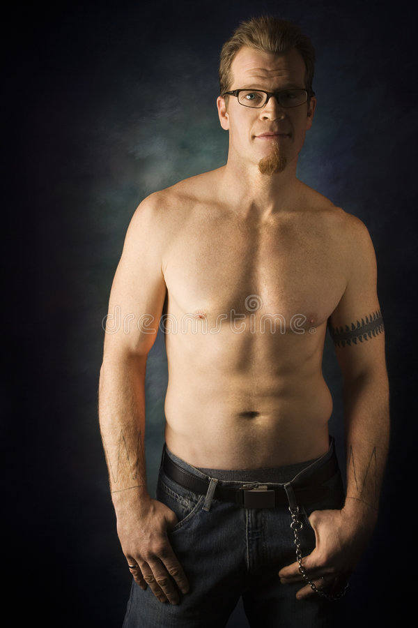caucasian shirtless manstående royaltyfria foton
