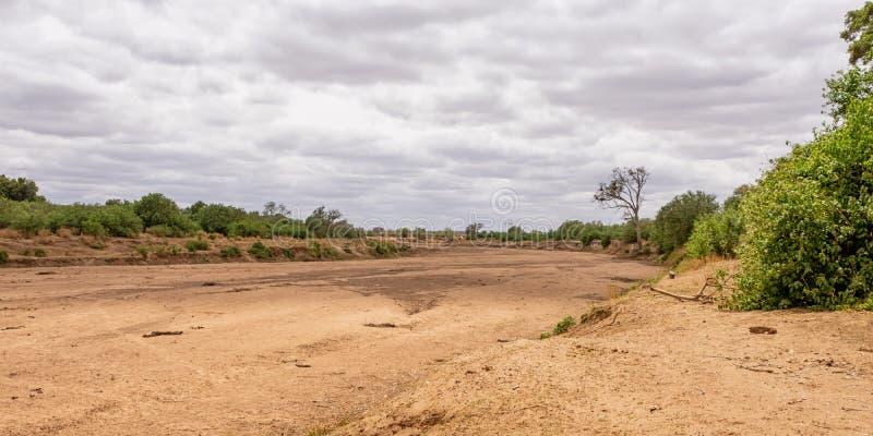 Cauce del río seco fotos de archivo libres de regalías