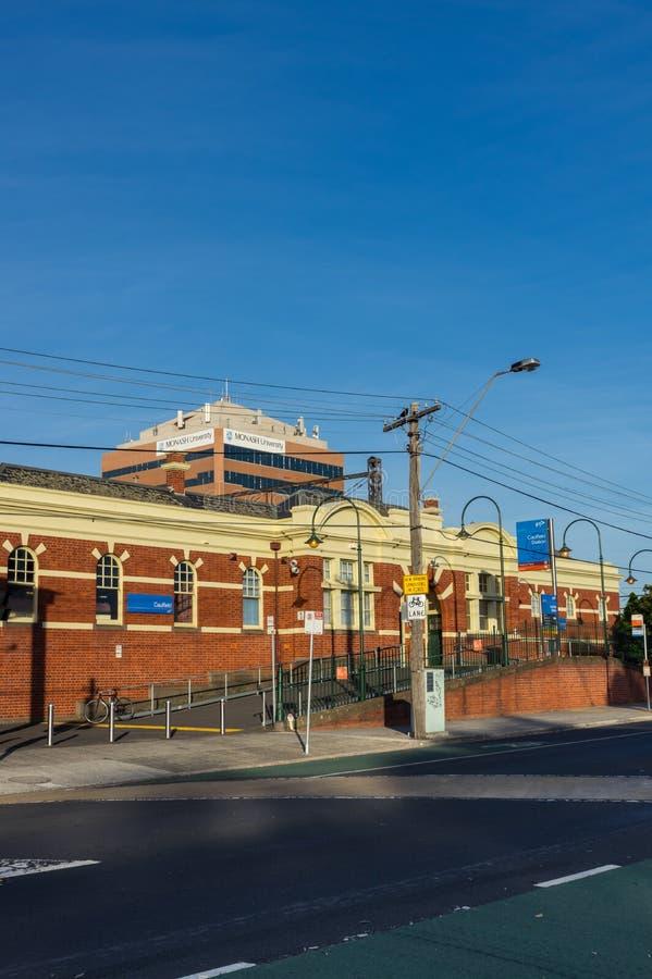 Caulfield stacja kolejowa w mieście roztoki Eira jest ważnym podmiejskim dworcem obrazy stock
