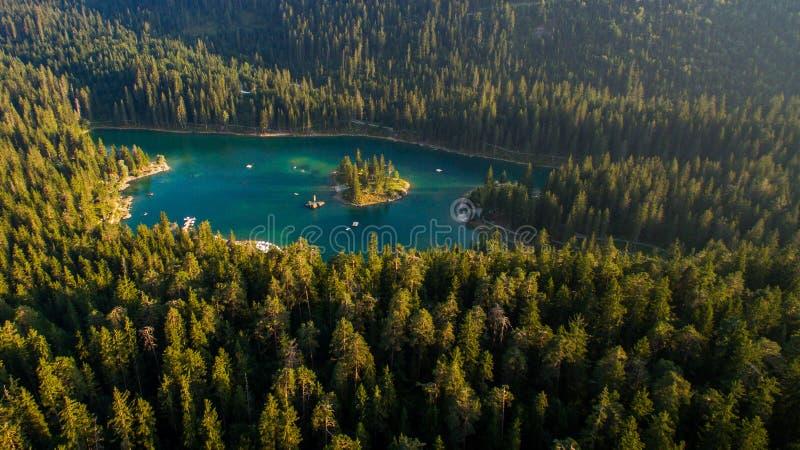 Caumasee в Швейцарии стоковые изображения