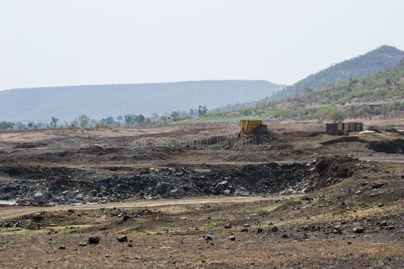 Cava di pietra e zona mineraria immagine stock