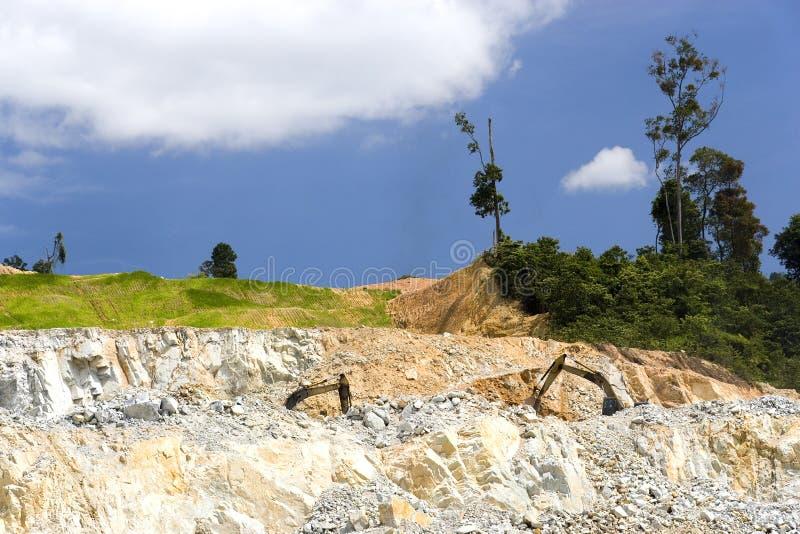 Download Cava di roccia del granito fotografia stock. Immagine di geologia - 3875172